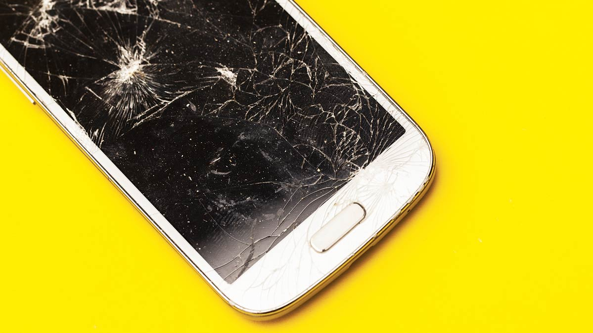 Smart phone screens protection and long term maintenance