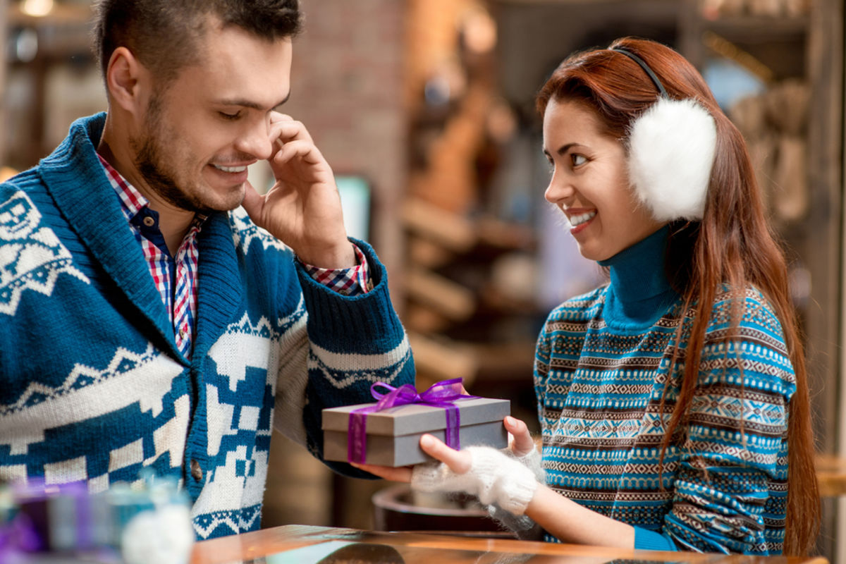 Express gifts service - Helping individuals deliver gifts to their loved ones in a hassle free manner 1