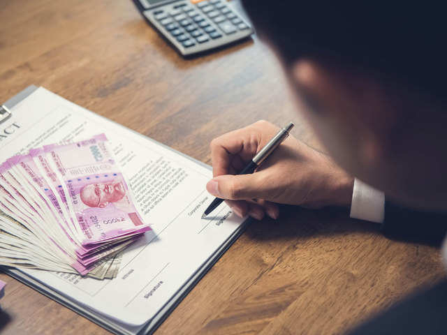 5 Things to Know Before Borrowing from Money Lenders 1