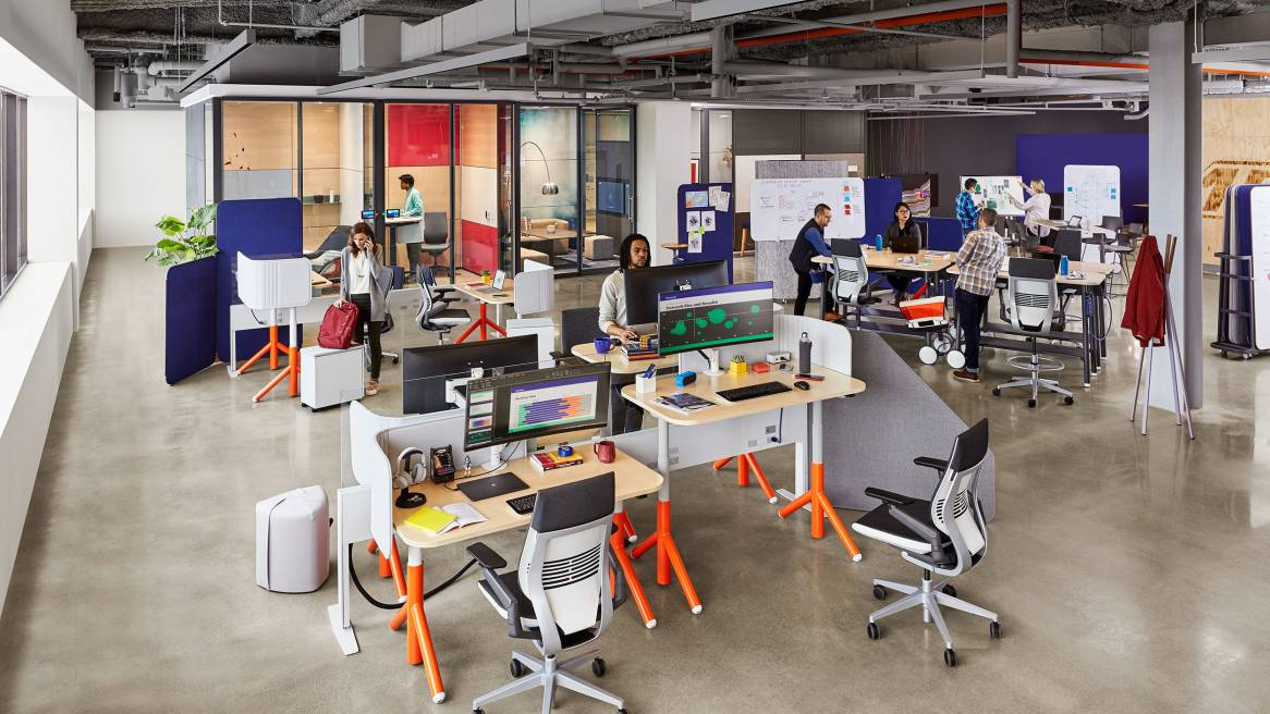 6 Dynamic Office Desks Designs to Keep You Inspired 4