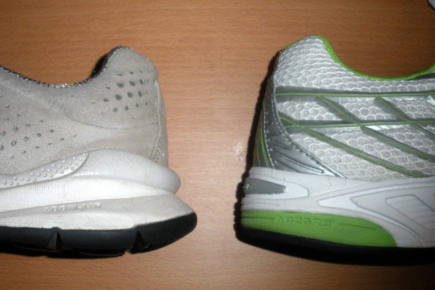 Differences Between Running Shoes vs. Walking Shoes 1