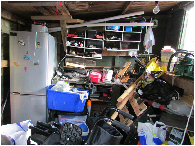 Mess Hoarders Cannot Discard